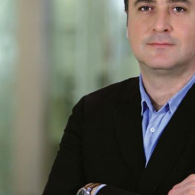Д-р Алпер Токер - Специалист по роботизирана гръдна хирургия