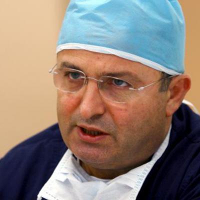 Проф. д-р Азми Хамзаоглу - лечение на сколиоза и заболявания на гръбначния стълб