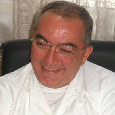Проф. д-р Минареджи